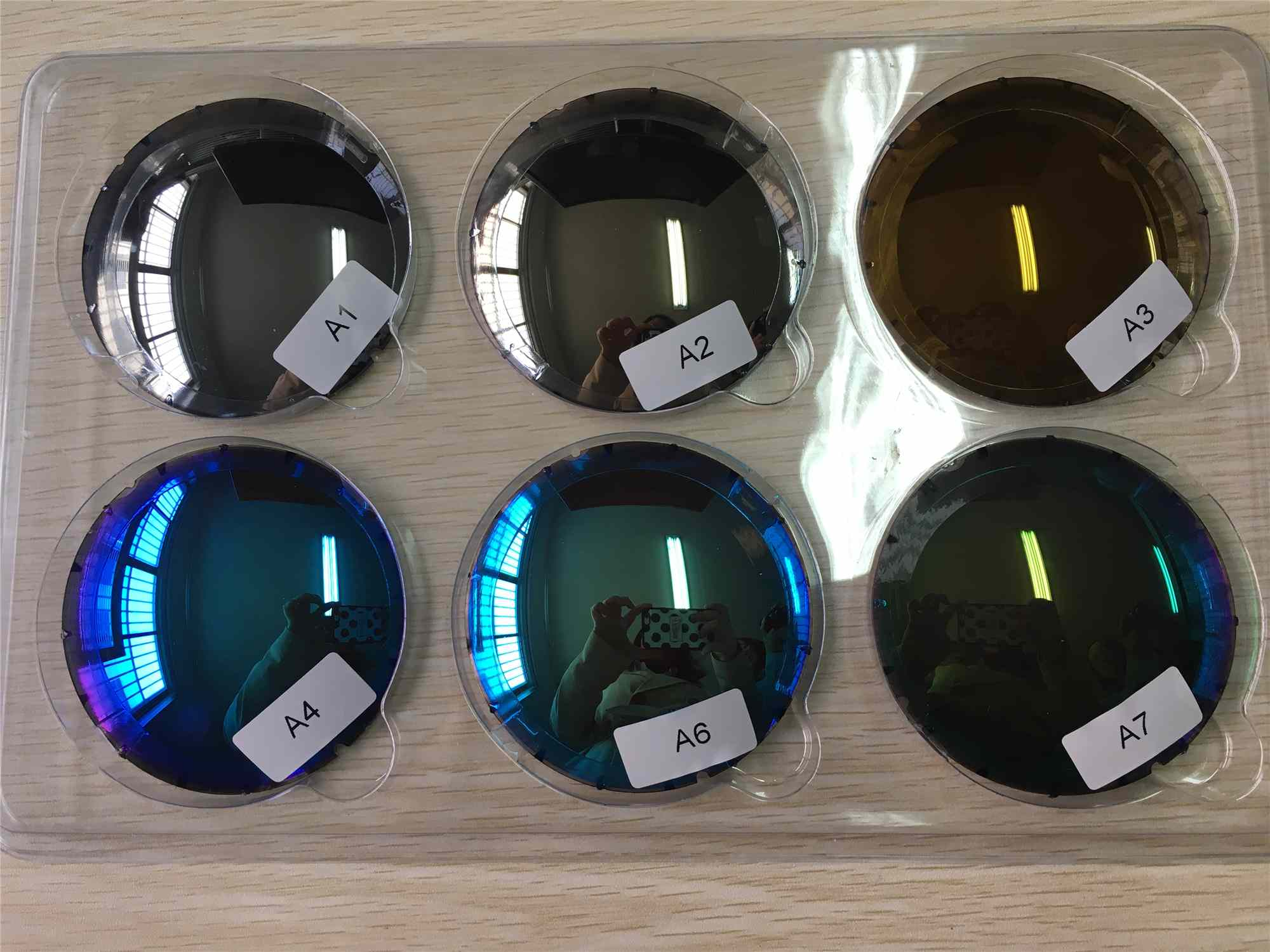 Index 1.499 Polarized Eyeglass Lenses Hard Coating Mirror / REVO Coating